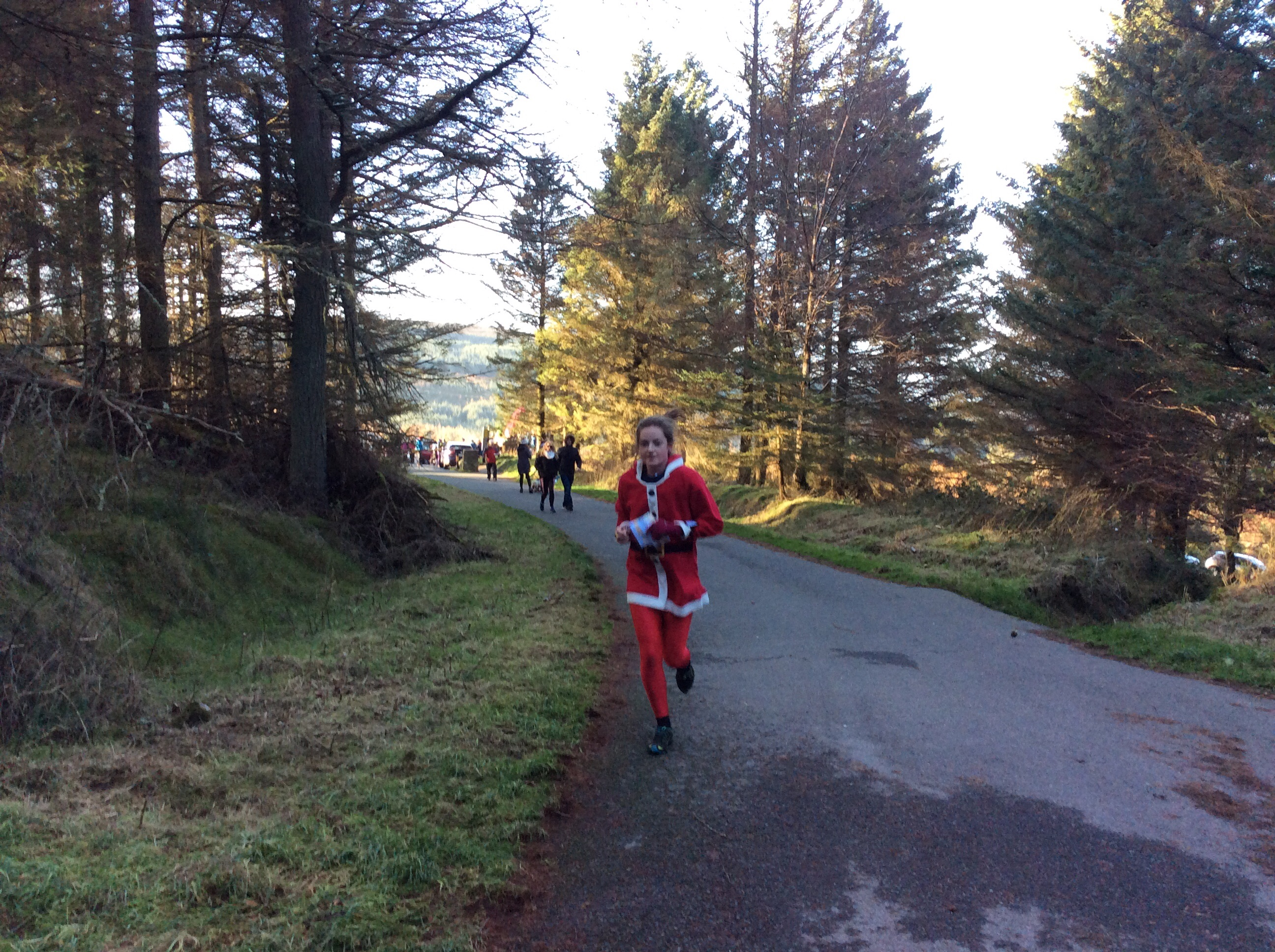 Cliona Claus on the run in.